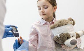 Analiza porównawcza czynników ryzyka próchnicy